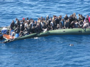 Migranti su barconi