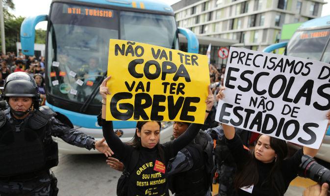 brasile_proteste_10_22698_immagine_ts673_400